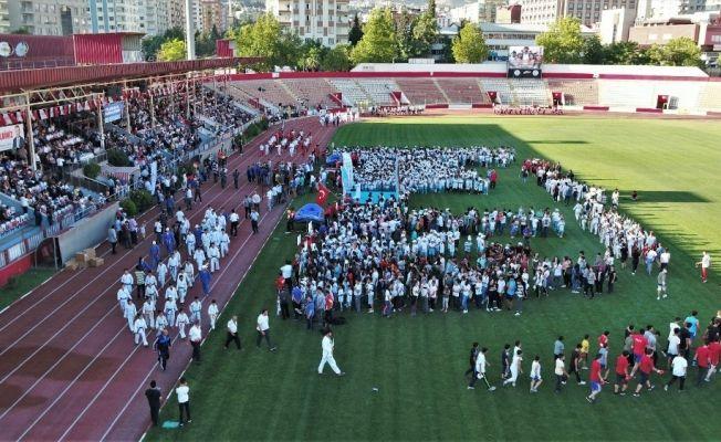 Kahramanmaraş'ta yaz spor okulları açıldı