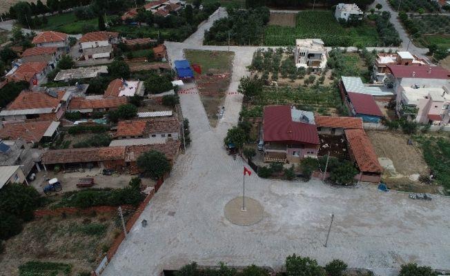 Salihli'de 4 mahalleye 47 bin metrekare parke taş döşendi