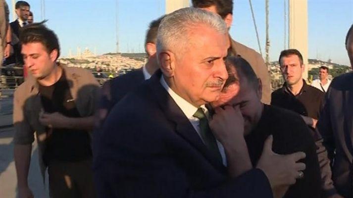Başbakan Yıldırım, intihar girişimini engelledi