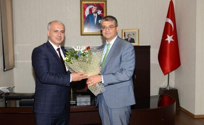 Tarsus Üniversitesi Rektörü Aydın, görevine başladı