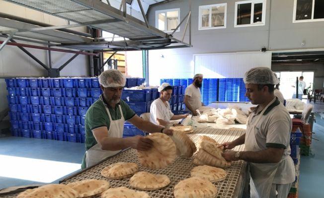 İHH'dan Suriye'ye 8 ayda 250 milyon ekmek