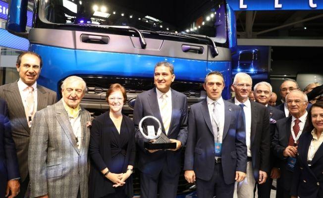 """""""Uluslararası Yılın Kamyonu Ödülü"""", Türk mühendislerin geliştirdiği yerli kamyona verildi"""