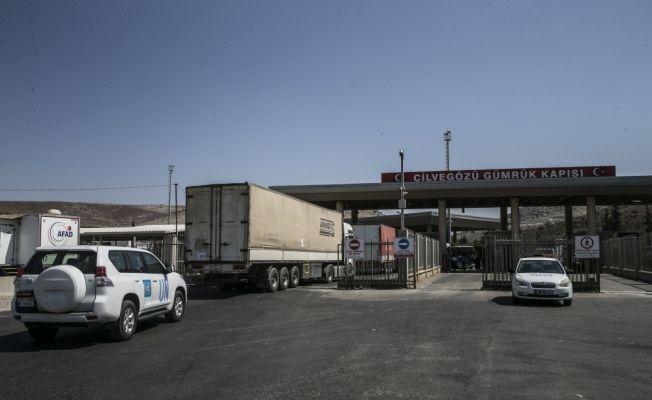 BM'den İdlib'e 21 tırlık yardım