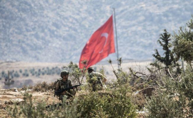 Komandolar Suriye sınırında devriyede