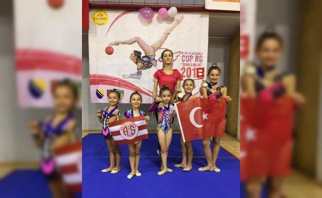 Antalyasporlu cimnastikçilerin Saraybosna başarısı