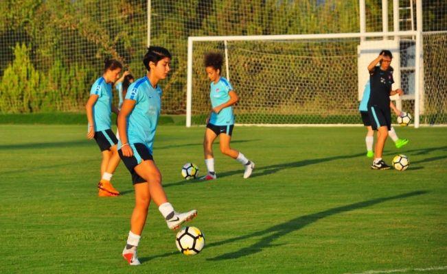 19 Yaş Altı Kadın Milli Futbol Takımı Antalya'da