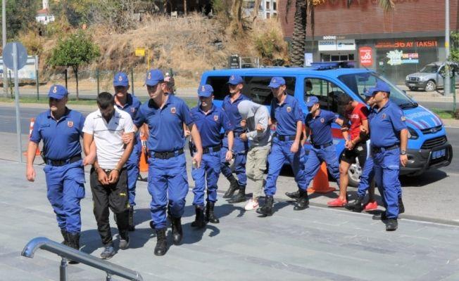 Antalya'da inşaattan hırsızlık zanlılarına tutuklama