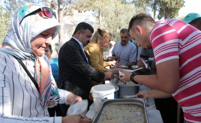 MHP'nin Mut'ta aşure etkinliği
