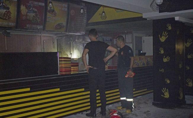 Dönercideki yangın paniğe neden oldu