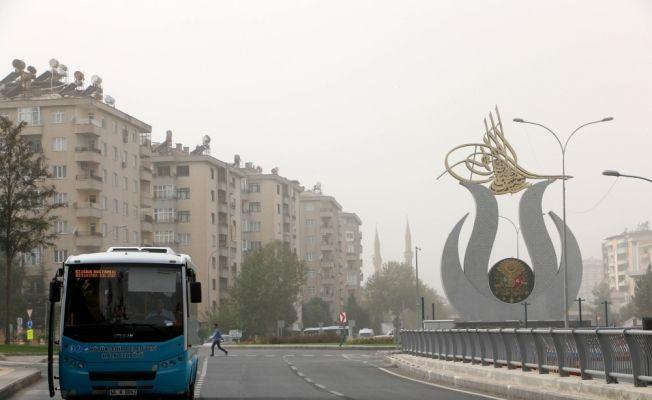 Kahramanmaraş'ta toz bulutu etkili oldu
