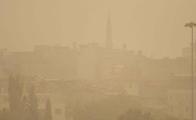 Suriye üzerinden gelen toz bulutu Elbistan'da etkisini göstermeye başladı!