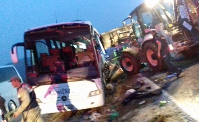 Göksun'da trafik kazası: 7 ölü, 23 yaralı