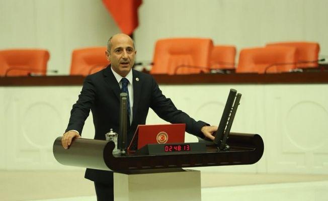 """Öztunç: """"Narlı ve Ilıca'nın ilçe olabilmesi için tekrardan sunduğum önergeyi AKP milletvekilleri reddetti."""""""
