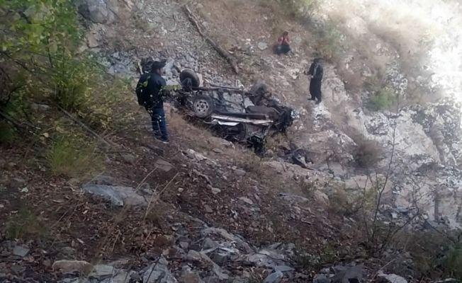 Kahramanmaraş'ta kamyonet uçuruma devrildi: 1 ölü
