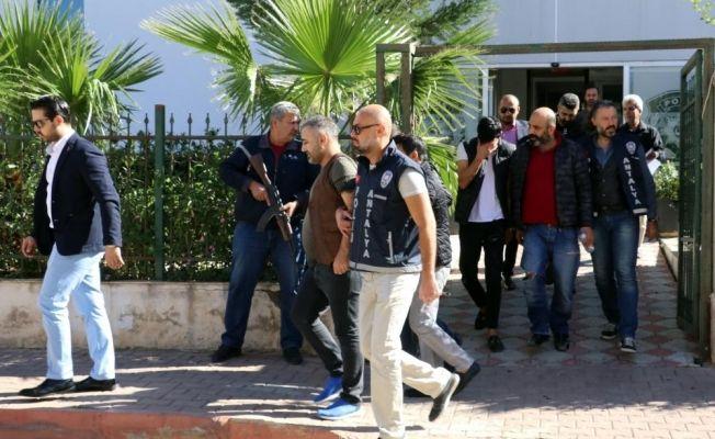 Antalya'da zorla senet imzalattırıldığı iddiası
