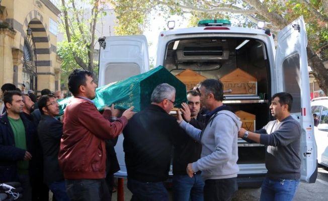 Göksun'da trafik kazasında hayatını kaybeden 3 kişi bugün toprağa verildi