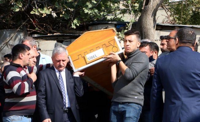 Kahramanmaraş'ta eşini, annesini ve babasını öldürdü