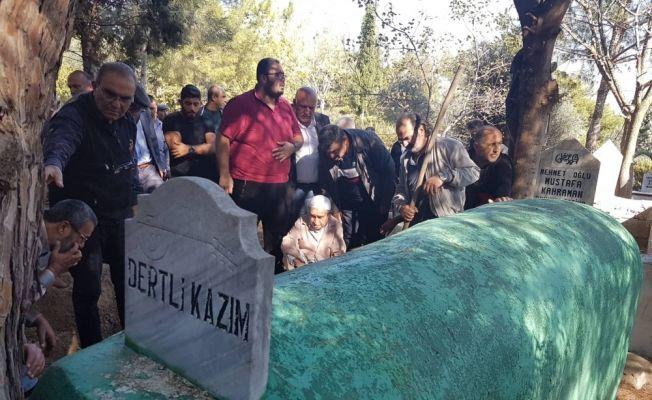 Halk ozanının cenazesi 36 yıl önce yaptırdığı mezarına defnedildi