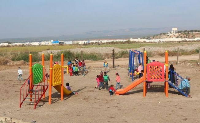 Afrin'e çocuk parkı ve futbol sahası