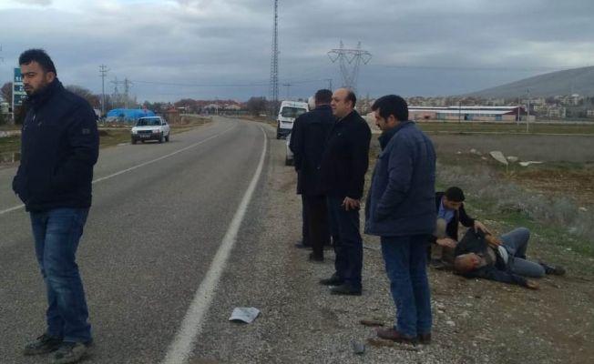 Afşin'den Elbistan'a 15 yıldır yürüyerek giden adama araba çarptı!