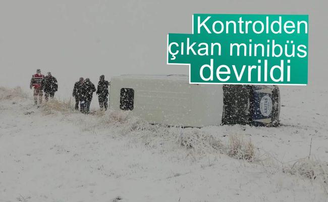Afşin'de yolcu minibüsü devrildi: 5 yaralı