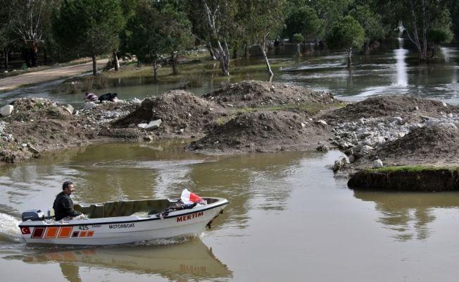Sulama kanalına düşen öğretmeni arama çalışmaları sürüyor
