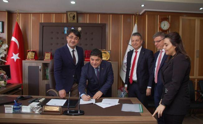 """Afşin'de """"Kapımız Esnafa Açık"""" protokolü imzalandı"""