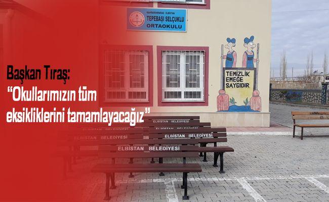 Elbistan Belediyesi, okullara bank dağıtımına başladı