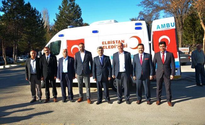 TBB Elbistan Belediyesi'ne hasta nakil aracı hibe etti