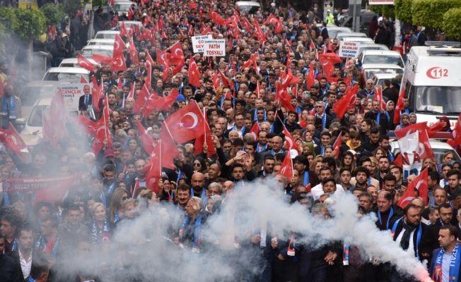 """AK Parti'den """"İskenderun için yürüyoruz"""" etkinliği"""