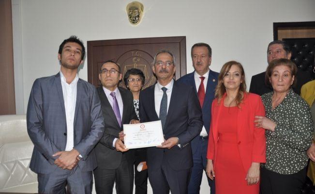 Tarsus Belediye Başkanı Bozdoğan göreve başladı