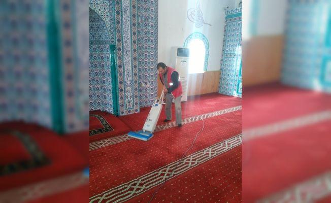 Elbistan Belediyesi'nden camiler için temizlik seferberliği