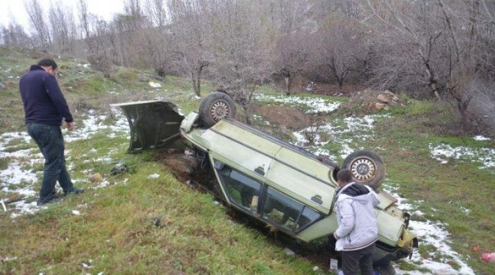 Otomobil dere yatağına uçtu: 1 yaralı