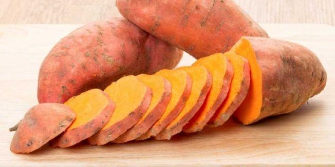 Şeker hastası annesi için kırmızı patates yetiştirdi