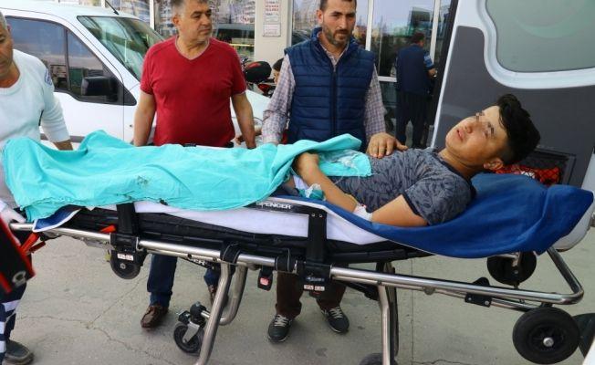 Ağabeyinin silahıyla oynayan çocuk arkadaşını yaraladı