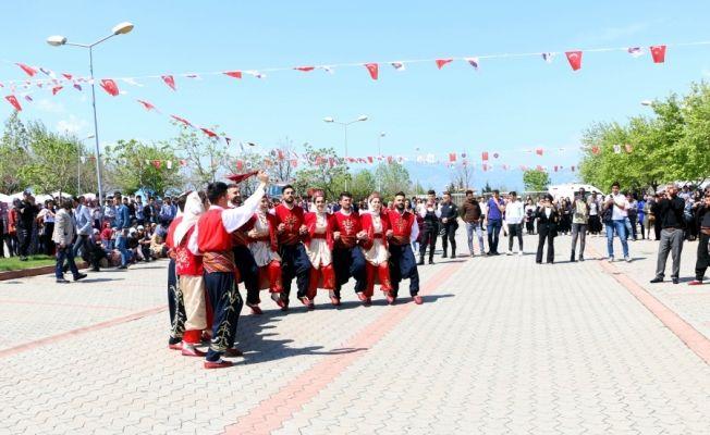 Kahramanmaraş Sütçü İmam Üniversitesi'nde bahar şenlikleri başladı