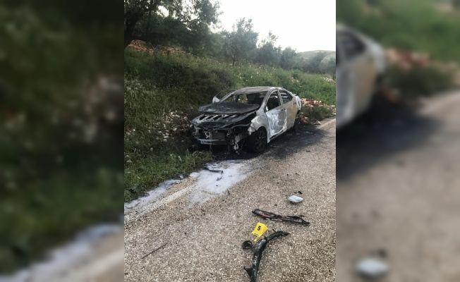 Yanan otomobilde erkek cesedi bulundu