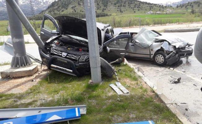 Göksun-Elbistan karayolunda trafik kazası: 5 yaralı