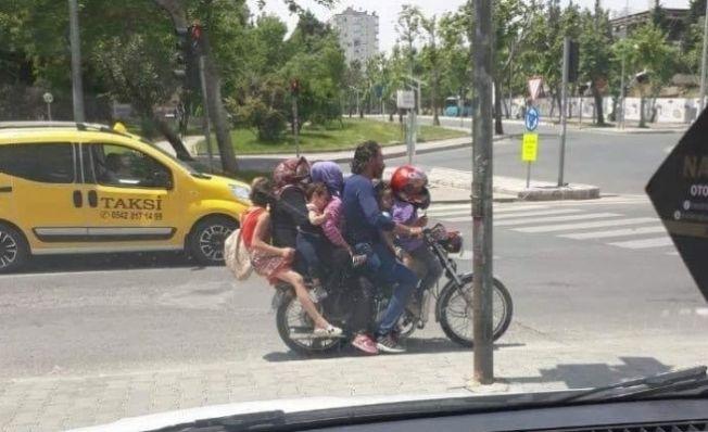 Kahramanmaraş'ta ölüm yolculuğu! 7 kişi bir motosiklette...