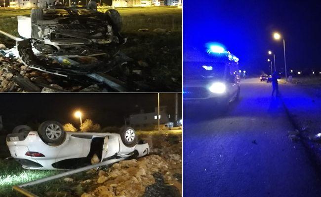 Elbistan'da, elektrik direğine çarpan otomobil takla attı: 1 kişi yaralandı.