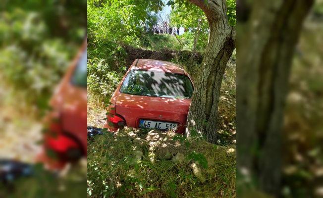 İki otomobil çarpıştı: 7'si çocuk 13 yaralı