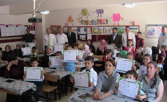 Elbistan'da 35 bin 237 öğrenci, karne aldı.