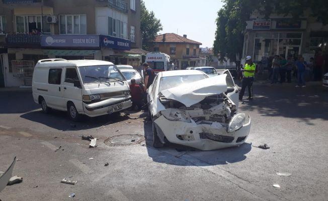 Kahramanmaraş'ta zincirleme trafik kazası: 13 yaralı