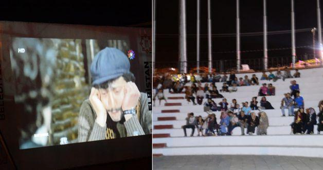 Elbistan Belediyesi Yeşilçam'ın unutulmaz klasiklerini sinemaseverlerle buluşturuyor