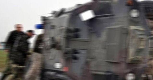 Nurhak'ta askeri araç devrildi: 2 yaralı