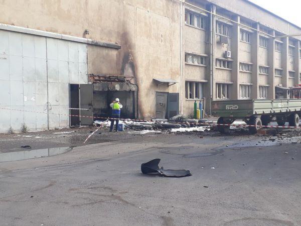 Çelikler'de oksijen tüpü alev aldı: 2 işçi yaralandı