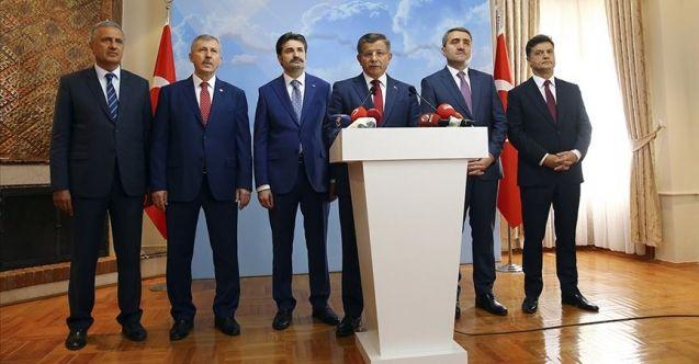 Ahmet Davutoğlu ve ekibinin ardından AK Parti'den iki kişi daha istifa etti