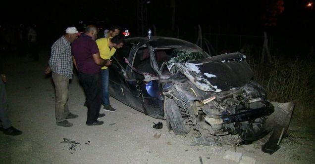 Elbistan'da trafik kazası! Otomobil ile kamyonet çarpıştı: 4 yaralı...