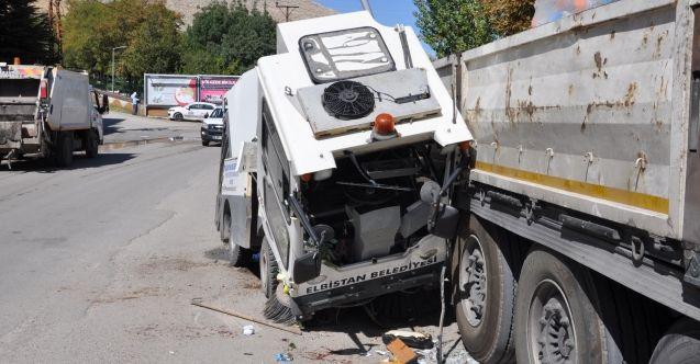 Elbistan'da freni boşalan temizlik aracı tıra çarptı: 1 yaralı