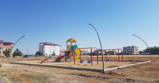 Elbistan Belediyesi, parklarda güneş enerjisi kullanmaya başladı